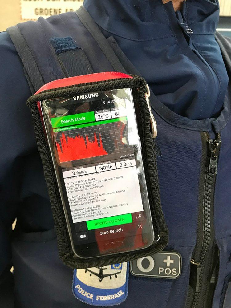 D3S_wearableRIID_deployed_by_Belgian_Police